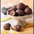 Le chocolat est incontournable à Noël alors voici un recette de petits rochers à tomber! Du chocolat, des fruits secs et du...