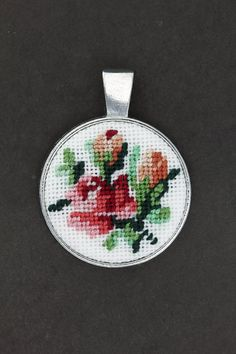 "Embroidered Pendant ""Bouquet of Roses"""