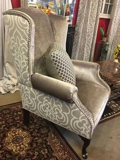 Beautiful diy chair upholstery ideas to inspire Funky Furniture, Furniture Makeover, Home Furniture, Chair Redo, Sofa Chair, Wing Chair, Wingback Chairs, Chair Cushions, Reupholster Furniture