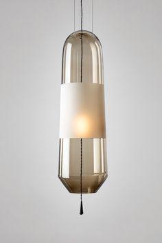 Nice contrast of smoked glass to lighter/white colour.  Mijn lievelingslamp voor later als ik groot ben van ES & SAM