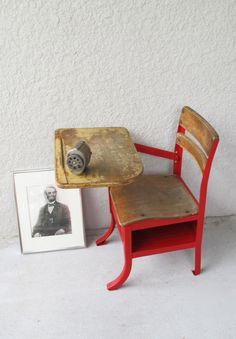 Red industrial vintage school desk your 's look's like this one, Old School Desks, Old Desks, School Kids, Repurposed Furniture, Kids Furniture, Painted Furniture, Medan, School Desk Makeover, Vintage Industrial