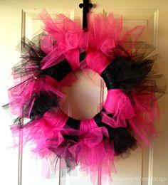 How To Make A Tutu Wreath  #tutu #wreath #birthday #babyshower #party