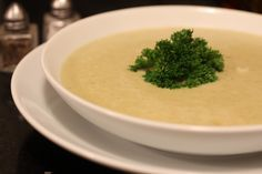 Sopa creme de brócolis, batatas e lentilhas