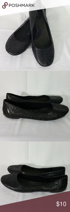 Born BOC Black Swirl Flats Size 11 These Born B.O.C. black flats have a swirl pattern on them.   Style: BC3602 CBKE12 Size: 11  PLEASE NOTE: These shoes have a small tear in the outer left toe that can easily be glued to repair.  There is also wear on the back left and right heal.   I'm listing these because they are too cute to toss.   Will be shipped with love from a pet free and smoke free home. Born Shoes Flats & Loafers