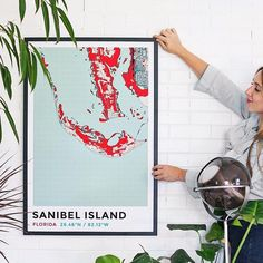 Love how @mandimakes is decorating her space with a nostalgic map poster of her childhood paths. Can decor get anymore meaningful? Design your own at grafomap.com