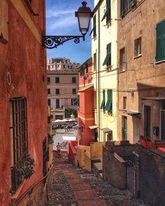 Foto dimenticate.... forget pictures... #Genova #liguria #italy #canon 🙃 #ig_liguria