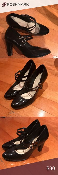 Kelly & Katie Lenka Pump (patent black) Only worn once on New Years Eve for a 1920's themed party. VERY COMFY. Heel is low-medium and chunky. ALWAYS willing to negotiate on price. Kelly & Katie Shoes Heels