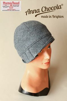 BESPOKE 20s FLAPPER CLOCHE Inès HAT HARRIS TWEED blue made-to-order Anna Chocola. #millinery #judithm #hats