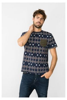 Blue ethnic print T-shirt Desigual. Discover the fall-winter 2016 collection!