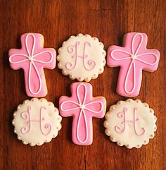 These religious cookies are perfect for Baptisms, Confirmations or Communions. They are also available for girls as well in pink. THIS LISTING IS FOR 1 DOZEN BAPTISM COOKIES Your order includes: 6 Cross Cookies 6 Initial Cookies All cookies are made from scratch, decorated by hand and