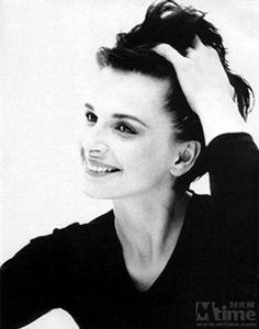 Juliette Binoche- I love her in Unbearable Lightness of Being.