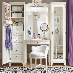Such a beautiful and tidy vanity. Home Decor Beauty Room inspiration Vanity Room, Vanity Set, Vanity Ideas, White Vanity, Bedroom Vanities, Teen Vanity, Vanity In Closet, Master Closet, Vanity With Storage