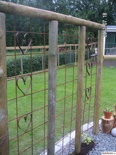 Garden Trellis, Garden Gates, Herb Garden, Garden Art, Garden Crafts, Garden Projects, Green Fence, Traditional Landscape, Garden Structures