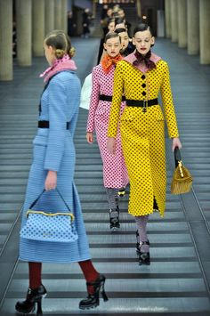 Paris Fashion Week winds down with displays of exceptional creativity by Miu Miu Fall 2013 and Moncler Gamme Rouge. Retro Fashion, High Fashion, Winter Fashion, Fashion Show, Vintage Fashion, Fashion Outfits, Fashion Tips, Fashion Design, Miu Miu