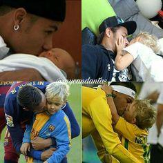 Soccer Guys, Football Soccer, Neymar Family, Neymar Pic, Live Life Love, The Fam, Draco Malfoy, Funny Cute, Future Husband