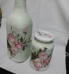 Imagen relacionada Recycled Jars, Recycled Glass Bottles, Painted Wine Bottles, Bottles And Jars, Recycled Crafts, Diy And Crafts, Bottle Painting, Bottle Art, Decoupage Jars