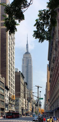 Empire State Building, Fifth Avenue New York