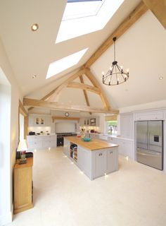 Oak frame truss kitchen living room inspiration ideas oak frame light decorating ideas oak building development project open plan living oak beam natural structures artisan build building new home Open Plan Kitchen Living Room, Barn Kitchen, Open Plan Living, Restaurant Design, Oak Framed Buildings, Rustic Home Design, Modern Design, Best Kitchen Designs, Kitchen Ideas