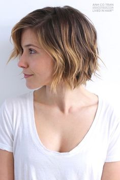 17 Cute Choppy Bob Hairstyles We Love In 2019 Choppy Hair Hair Styles 2016, Medium Hair Styles, Short Hair Styles, Bob Styles, Medium Bob Hairstyles, Hairstyles With Bangs, Bob Haircuts, Asymmetrical Hairstyles, Wedge Hairstyles