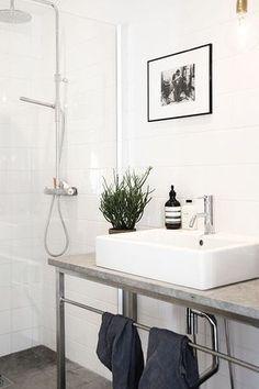 Contemporary 3/4 Bathroom with Handheld Shower Head, Pendant Light, frameless showerdoor, slate tile floors, Rain Shower Head
