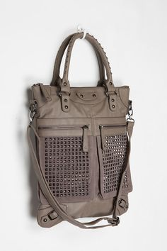 NEEEEEED in my life!!!! I love the color and the style of the bag. I love a purse with a shoulder strap. So cute!