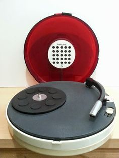 Tocadiscos Philips Pompon 22GF303. Vintage Philips record player, Space Age, UFO, turntable.