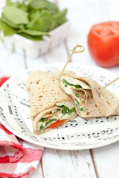 This came together in 5 minutes. An easy lunch or breakfast - Spinach Feta Wrap with Egg Low Calorie, Healthy, Vegetarian Good Healthy Recipes, Ww Recipes, Light Recipes, Vegetarian Recipes, Cooking Recipes, Sandwich Recipes, Recipies, Breakfast Spinach, Breakfast Recipes