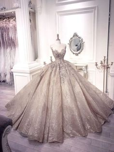 7 Luxurious wedding dresses, noble just want to own – Wedding Suite Luxury Wedding Dress, Best Wedding Dresses, Bridal Dresses, Bling Wedding, Tulle Wedding, Rustic Wedding, Debut Gowns, Cute Prom Dresses, Sparkly Dresses