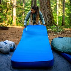 Best Camp Bed Reviews: Comparisons Features Specs Photos Videos Guide. ALPS Coleman Lightspeed Desert Walker Exped Therm-A-Rest Byer Tough Intex Disc-O-Bed. #campingbed #campbeds #campingcots #foampads #foammattresses #inflatablepads Camping Cot, Camping Mattress, Bed Reviews, Guest Bed, Marine Blue, Good Sleep, Foam Mattress, Get Outside, Tent