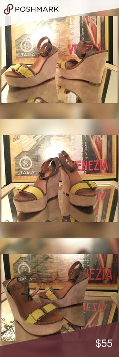 ᒪᏌᏣᏦᎩ ᕊᖇᗩﬡᖙ Summer Style! Leather, Cork & Suede! ᒪᏌᏣᏦᎩ ᕊᖇᗩﬡᖙ Taupe tone leather wedges accented in chartreuse tone leather & burnished metal buckles!  Buckle ankle strap give a sexy flare, while cork wedge insole, and tan colored suede leather wedge add comfort to the style!∞  Ӝ̵̨̄  ✰ ∽··٠ .*.☆ Lucky Brand Shoes Wedges