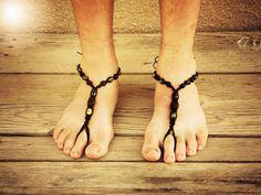 Desnudo de hombres descalzos sandalias zapatos de playa