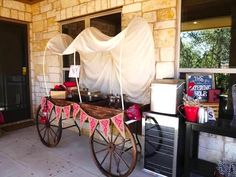 Rope cattle and stomp around in your boots with the details in this Wild West Birthday Party here at Kara's Party Ideas. Cowboy Theme Party, Farm Themed Party, Wild West Theme, Wild West Party, Indian Birthday Parties, Birthday Party Themes, Wild West Wedding, Western Parties, Westerns