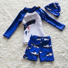 Unisex Girls Long Sleeved swimsuit Boys swimwear UV Surfing Suits with sleeves UV top shirt, Elastic Boyleg trunks and swim Cap