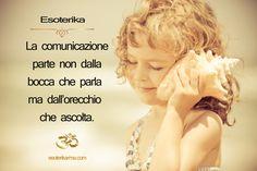 So che mi puoi udire, non hai problemi in questo senso, ma non riesci ad ascoltarmi. Ascoltare è totalmente diverso dall'udire. Ascoltare significa sentire senza l'interferenza della mente, dei pensieri. È un ascoltare come se tu fossi totalmente vuoto. Se hai anche il più lieve tremore di un pensiero, dentro di te, se delle onde di pensieri sottili ti circondano, non sarai in grado di ascoltare, anche se il tuo udito funziona. ॐ Osho, Meditazione: la prima e ultima libertà ॐ…