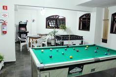 Foto de Pousada Farol Das Gaivotas em  Caraguatatuba/SP:  Salão de Jogos, mesa para cartas e domino, ( game, pebolim, bilhar,) fichas não inclusas.