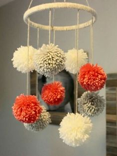 three tremendous easy crafting directions and 30 adorning concepts with pom-poms three supereinfache Bastelanleitungen und 30 Deko-Ideen mit Pompons, Crafts For Teens, Crafts To Sell, Home Crafts, Diy And Crafts, Simple Crafts, Simple Craft Ideas, Sell Diy, Simple Diy, Decor Crafts