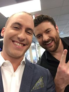 Game time! My bud @ChrisYoungMusic is on @CBSSports #FantasyFootball Today at 11ET. WATCH: http://fantasynews.cbssports.com/fantasyfootballtoday …  Embedded image permalink