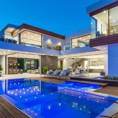 Open Spaces ,Lighting and Infinite Edge Pool are the key elements of the Modernist Villa Modern Villa Design, Luxury Homes Dream Houses, Dream Homes, Modern Mansion, Dream House Exterior, Dream Home Design, House Goals, Home Fashion, Bauhaus