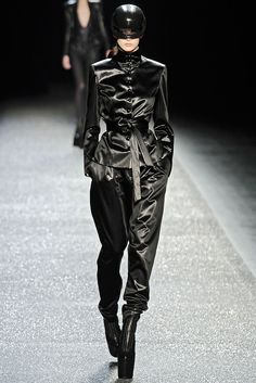 Nina Ricci Fall 2009 Ready-to-Wear - Collection - Gallery - Style.com