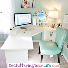 home office organization ideas - love how organized and clutter free this desk is!  #homeofficeorganization #deskorganization