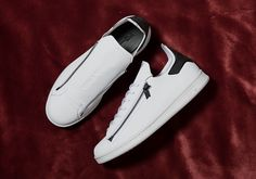 The adidas Stan Smith Zip Releases With Black Accents Stan Smith White, Y 3 Yohji Yamamoto, Tap Shoes, Dance Shoes, Adidas, Black Accents, Sneakers Fashion, Reebok, Air Jordans
