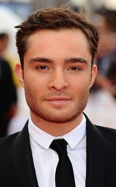 Find all the latest fashion, beauty, sex tips and celebrity news from Cosmopolitan UK. Celebrity Travel, Celebrity Crush, Celebrity News, Gossip Girl Chuck, Gossip Girls, Ed Westwick Gossip Girl, Chucks Outfit, Chuck Bass Ed Westwick, Estilo Blair Waldorf