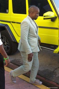 Kanye uso sandalias para una boda y twitter reacciona.