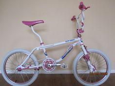 1987 GT Pro Freestyle Tour Team Model - BMXmuseum.com Gt Bikes, Cool Bikes, Vintage Bmx Bikes, Gt Bmx, Bmx Cruiser, Team Models, Bmx Racing, Bmx Freestyle, Bmx Bicycle