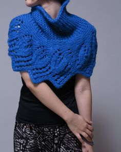 Hand knit capelet, blue poncho, weaving leaves pattern.