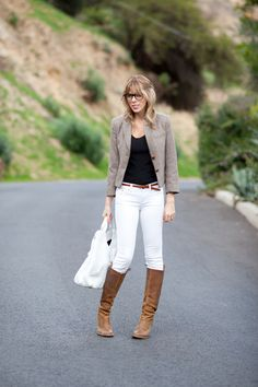 Image from http://ahouseinthehills.com/wp-content/uploads/2011/12/a_house_in_the_hills_j_crew_white_jeans1120114.jpg.
