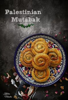 Mutabbak It's time for Arabic flavour recipe of the month! and this time it was from my beloved Palestine, Muttabak Arabic Dessert, Arabic Sweets, Greek Sweets, Palestine Food, Middle Eastern Desserts, Toast In The Oven, Arabian Food, Roasted Walnuts, Dough Ingredients