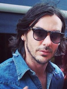 Shannon Leto.  I love his hair this length!!!