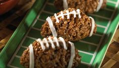 football rice krispies - seems like the perfect snack for a super bowl party! Rice Crispy Treats, Krispie Treats, Yummy Treats, Sweet Treats, Yummy Food, Football Treats, Football Food, Kids Football, Football Cookies