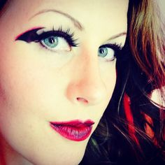 Bat wing eye makeup